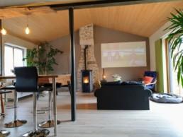 Rénovation maison pierre isolation extérieure bardage bois St Fiacre sur Maine Salon séjour 2