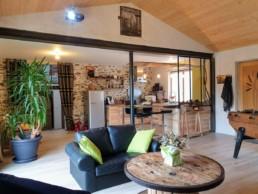 Rénovation maison pierre isolation extérieure bardage bois St Fiacre sur Maine Salon séjour